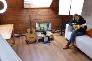 Studio mit Sofa